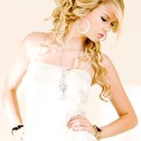Taylor Philips Photo 11