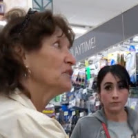 Stranger Stands Up For Two Women Being Harassed For Speaking Spanish